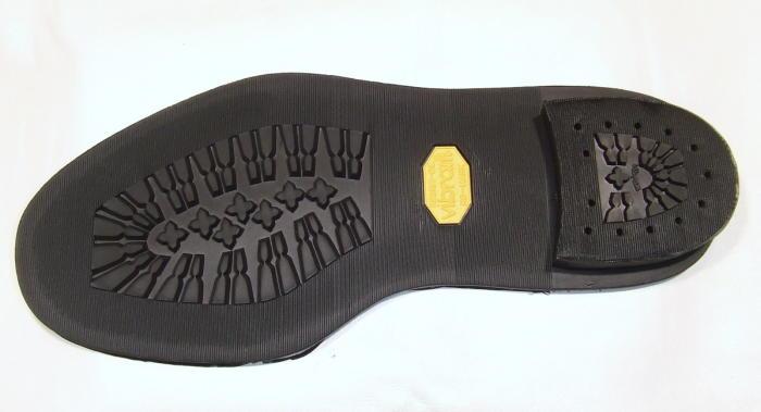 靴修理:靴底ビブラム1136