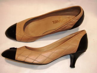 靴クリーニング:シャネルのパンプス 修正後