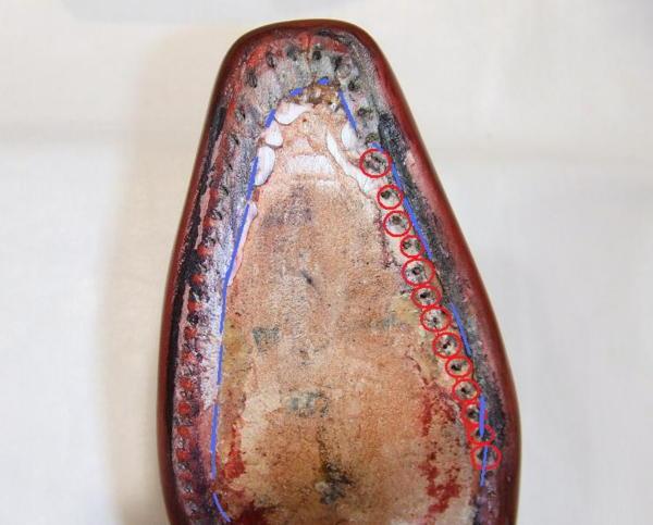 マッケイ製法の靴:アッパーの巻き込み不足