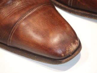 つま先キズの紳士靴2