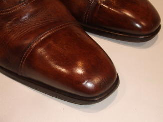 つま先キズの紳士靴(修正)2