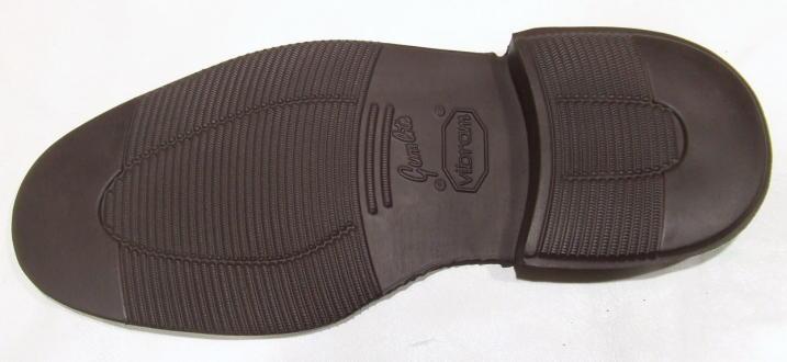靴修理:靴底ビブラム・ガムライト2810